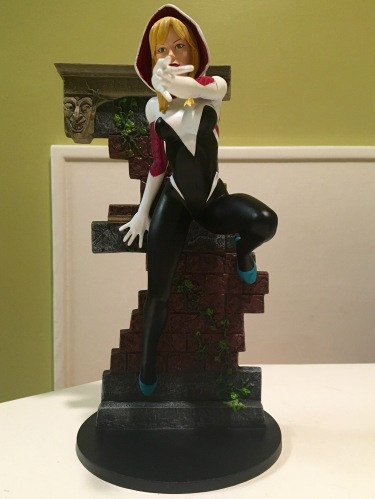 Spider-Gwen Diamond Select Toys